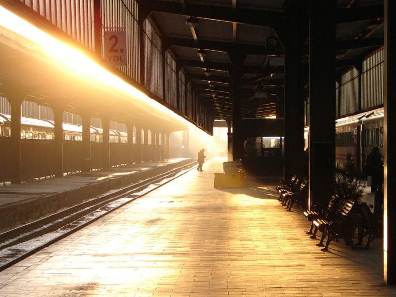 Sabahın erken saatlerinde Ankara tren garı